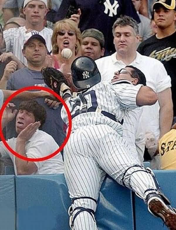 Amazing funny baseball pic joke