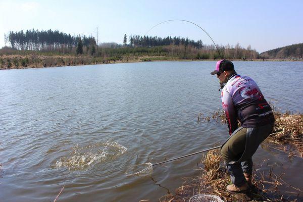 Funny crazy fishing pics photo
