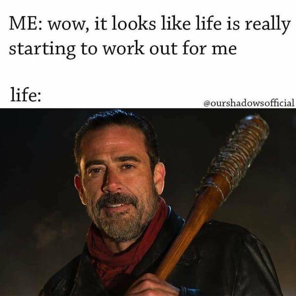 Amusing walking dead season 7 memes gifs