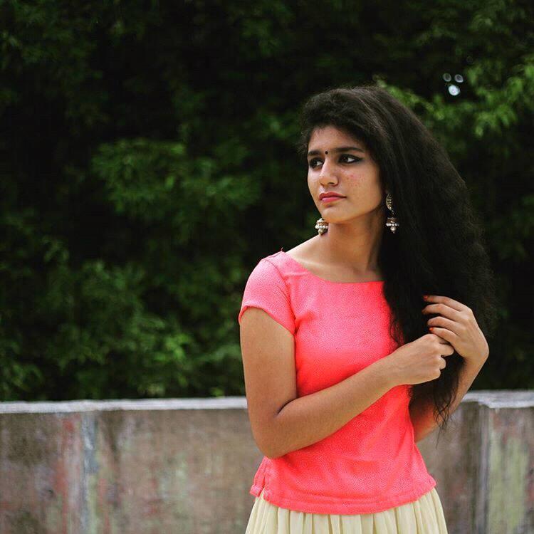 Priya Prakash Varrier HD Wallpaper Image 08