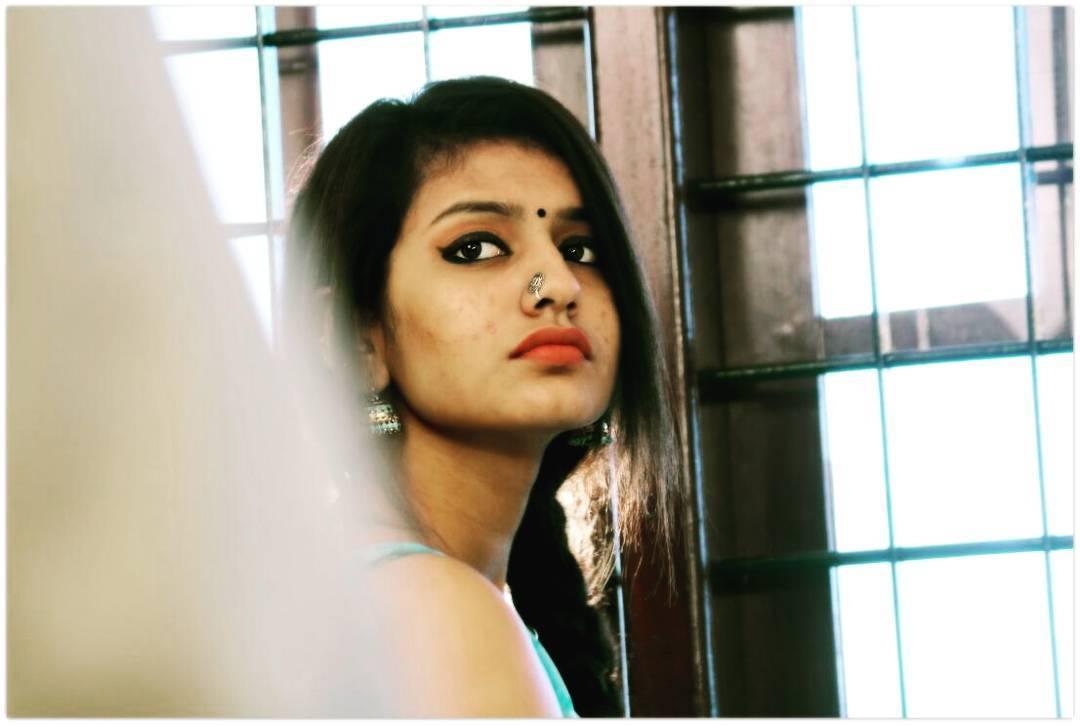 Priya Prakash Varrier HD Wallpaper Image 44