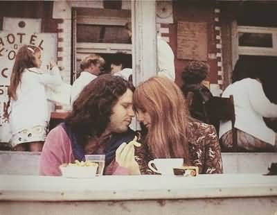 Some Rare Pictures Of Jim Morrison with Girlfriend Pamela Courson 41
