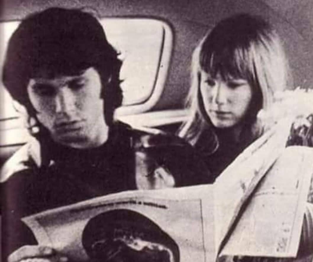 Some Rare Pictures Of Jim Morrison with Girlfriend Pamela Courson 45