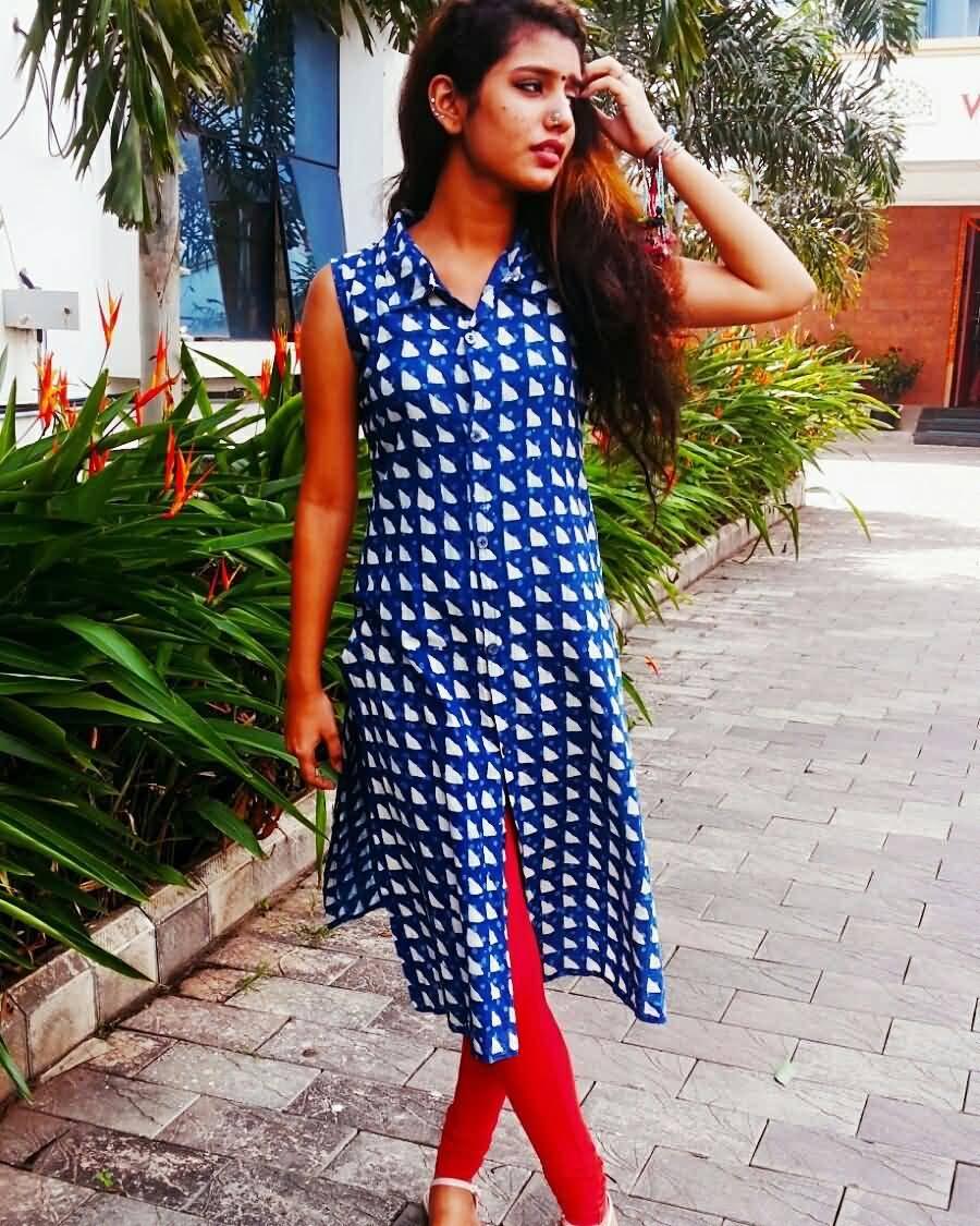 Priya Prakash Varrier HD Wallpaper Image 02