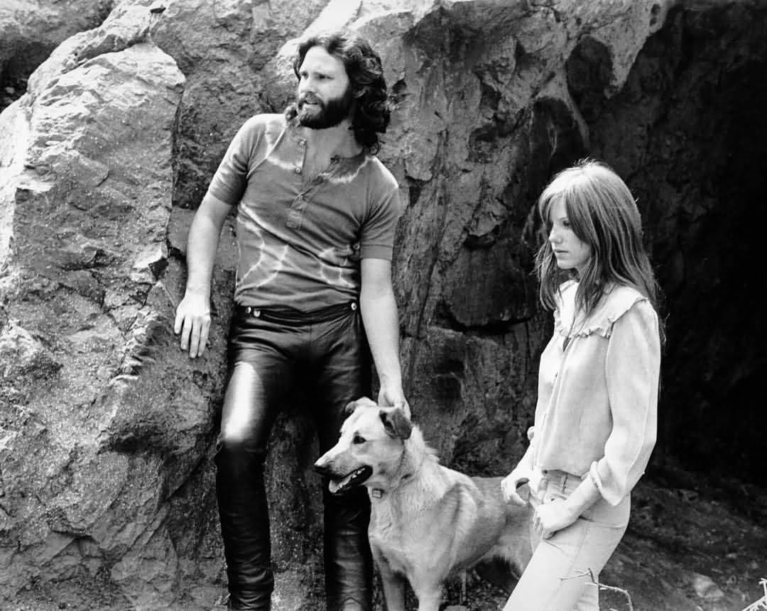 Some Rare Pictures Of Jim Morrison with Girlfriend Pamela Courson 03