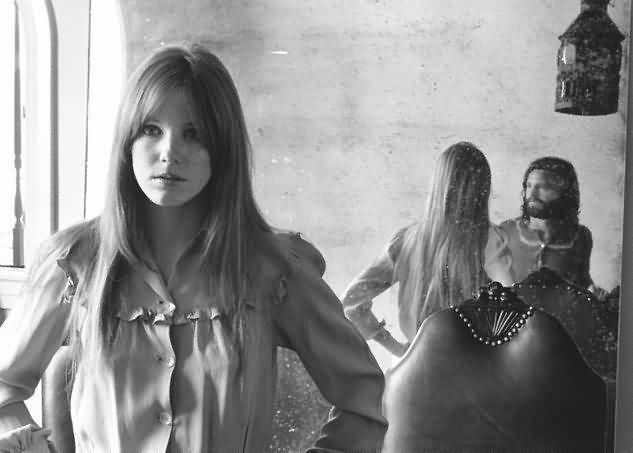 Some Rare Pictures Of Jim Morrison with Girlfriend Pamela Courson 04