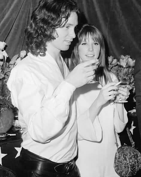 Some Rare Pictures Of Jim Morrison with Girlfriend Pamela Courson 25