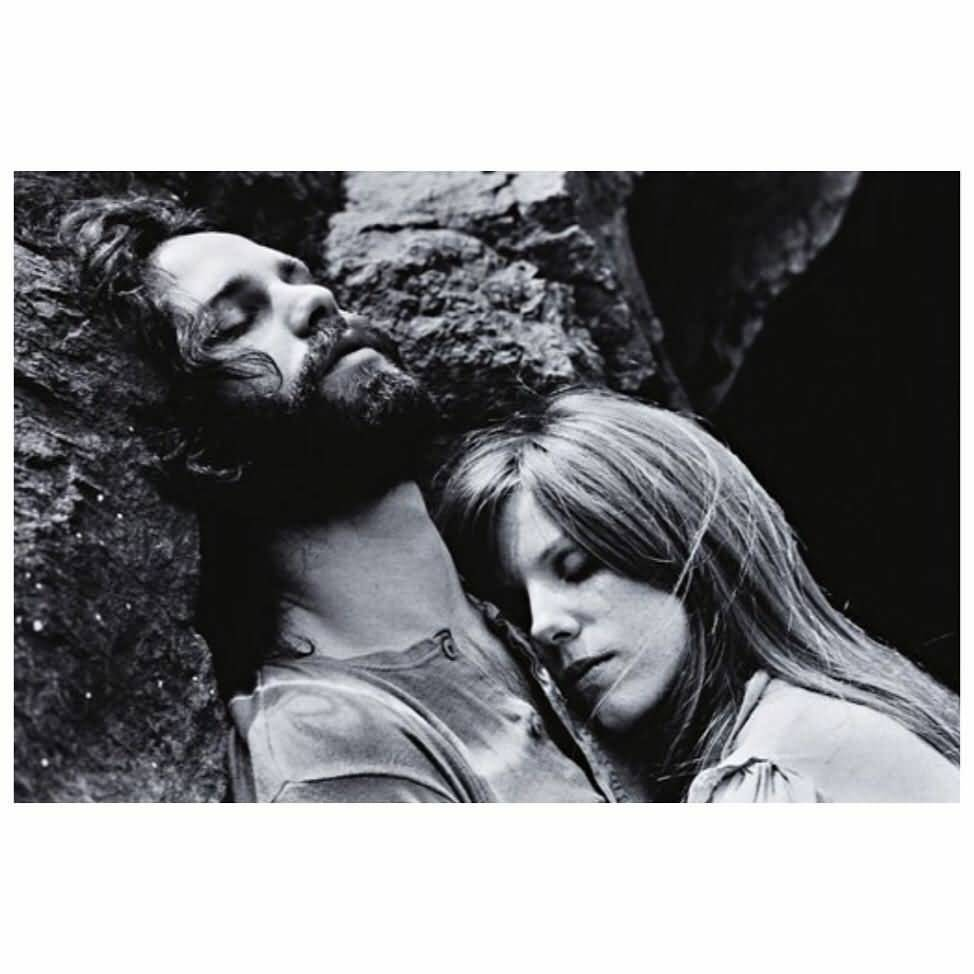 Some Rare Pictures Of Jim Morrison with Girlfriend Pamela Courson 35