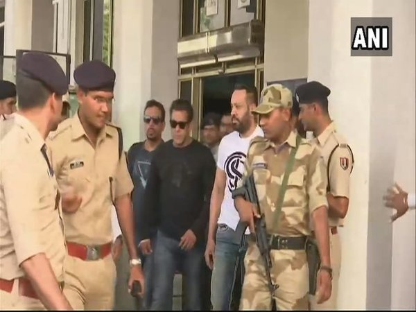 Salman Khan In Court Army