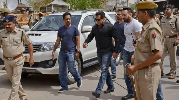 Salman Khan Jail Going To Court